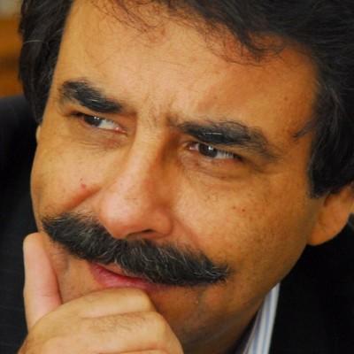 دانلود  علیرضا افتخاری  علیرضا افتخاری از تهدید به مرگ و بمب گذاری میگوید