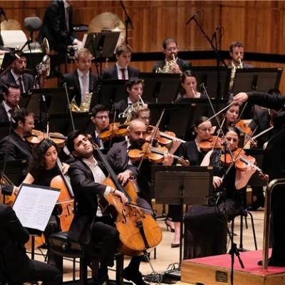 دانلود کیان سلطانی تمجید روزنامه گاردین از کیان سلطانی نوازنده ایرانی اتریشی