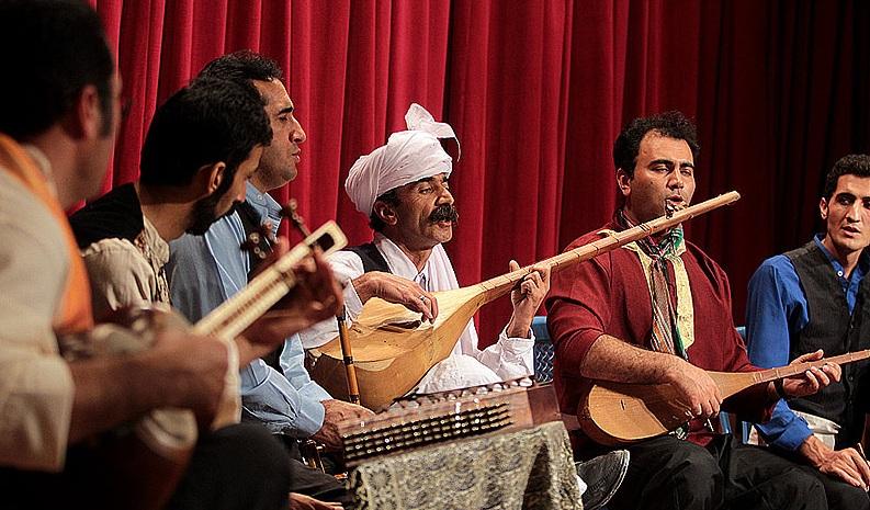 دانلود گروه کایر اجرای موسیقی محلی گروه کایر در تالار وحدت