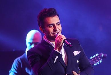 دانلود  علیرضا طلیسچی  نگاهی به اجرای علیرضا طلیسچی در جشنواره موسیقی فجر