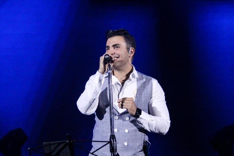 دانلود علیرضا طلیسچی اولین کنسرت علیرضا طلیسچی در سال 97