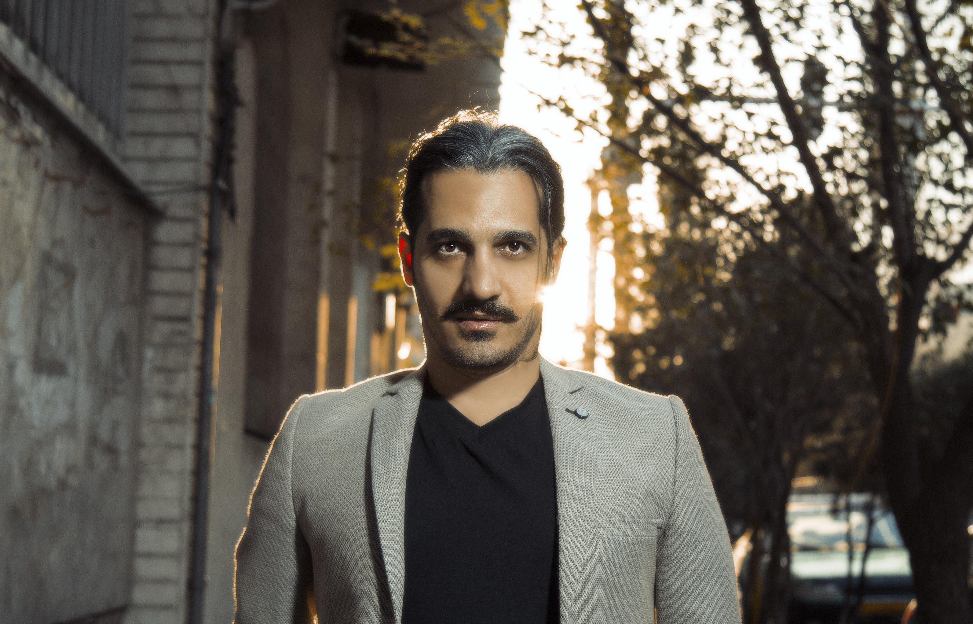 دانلود آرسین رهان مصاحبه با آرسین رهان خواننده با سابقه موسیقی پاپ