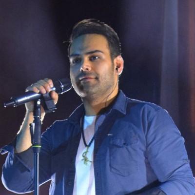 دانلود  سیامک عباسی  گزارشی از کنسرت سیامک عباسی در همدان