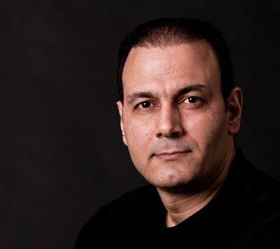 دانلود علیرضا قربانی اجرای تیتراژ فیلم سینمایی زعفرانیه ۱۴ تیر توسط علیرضا قربانی